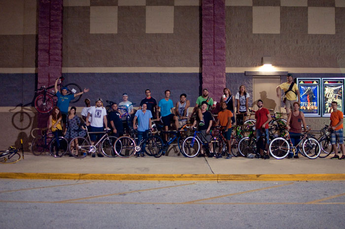 jacksonville florida bicycles cyclist fixed gear hanging out at tinsel town theatre after premium rush