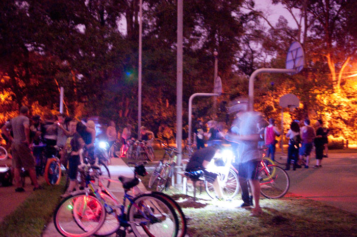 TuNiBiRi! presents Riverside Invasion: Round II TuNiRiSiBiRi jacksonville florida ride bikes bicycles slow shutter speed Fishweir Park